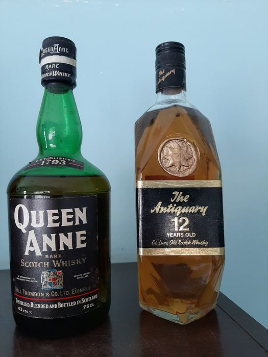 Queen Anne - The Antiquary 12 Years Old - b. 1970s - 75cl - 2 bottles