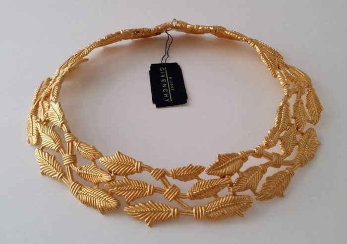 Givenchy Cleopatra Leaf Collar Necklace
