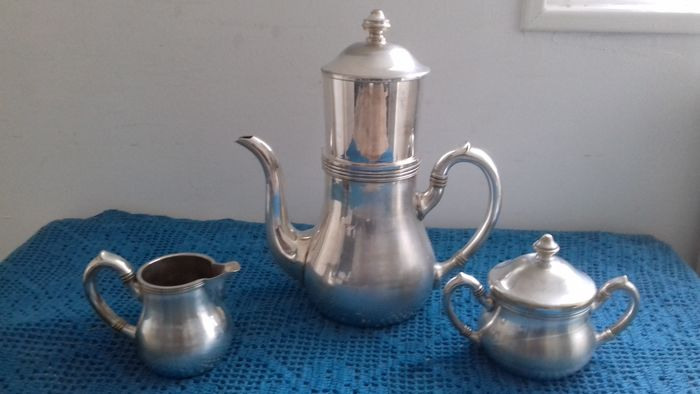 Coffee pot (3) - Silver plated