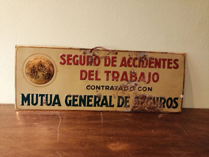Muta General De Seguros - Seguro de accidentes del trabajo sign (1) - Look