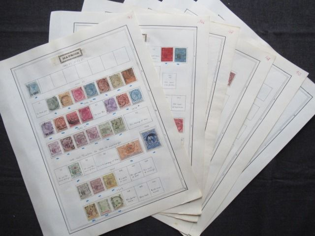 Antigas colônias britânicas - Mauritius and Gold Coast, collection of stamps