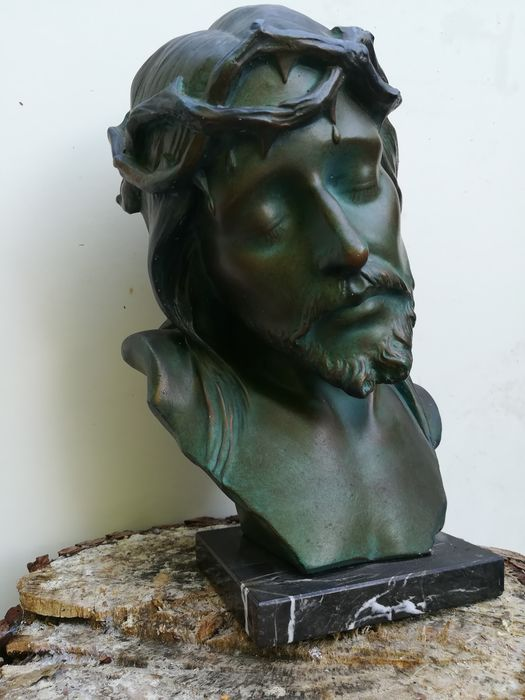 sculpture bust of christ - Plaster marble
