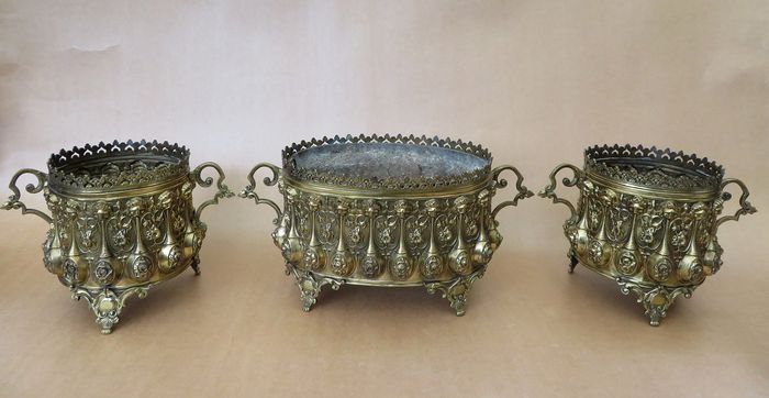 Three-part jardiniere set with lions and flowers - Empire Style - Copper - Second half 19th century