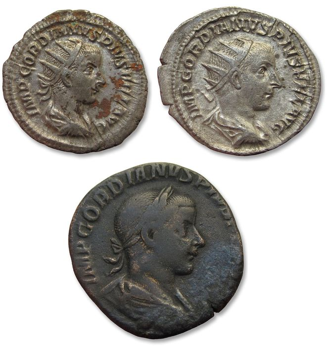 Empire romain - Group of 3 coins of Gordianus III: 2x antoninianus + 1x sestertius Rome mint 238-244 A.D. - nice mixed group - Argent & Bronze