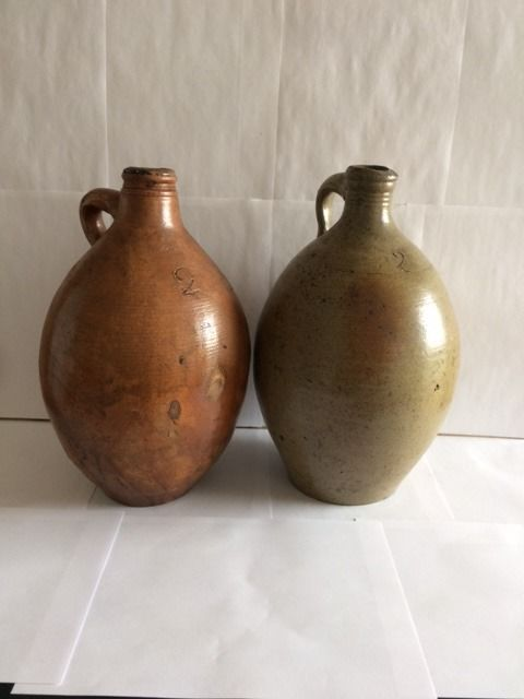 Two Large Gres jug - Earthenware