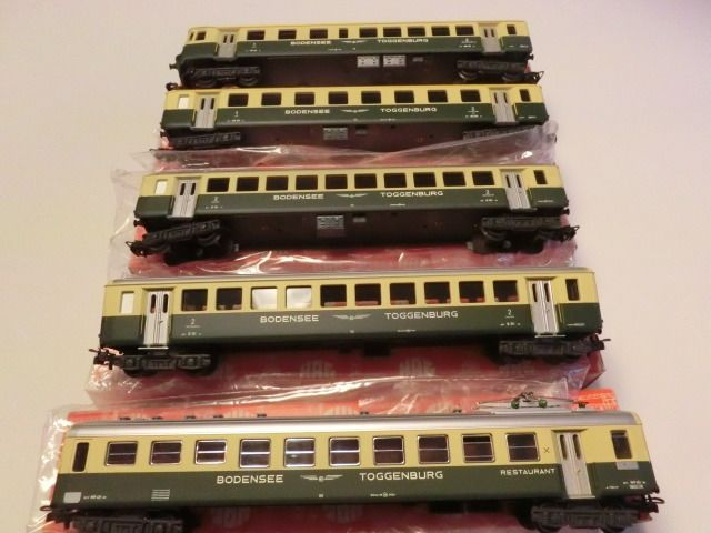 HAG H0 - 407/425/430 - Passenger carriage - 5 passenger cars, with u.a. 1 control car - Bodensee - Toggenburg