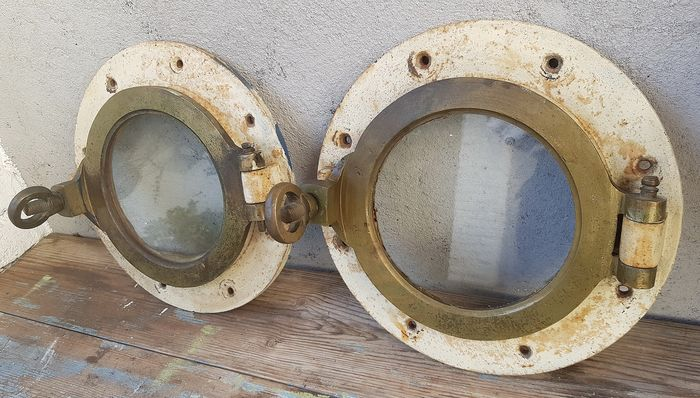 2 equal portholes - metal with copper - Early 20th century
