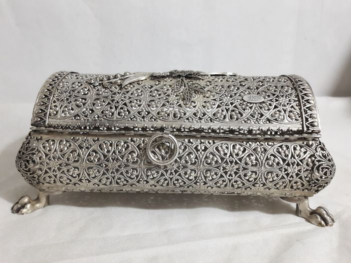 Vintage jewellery box in filigree - silver-plated, second half of the 20th century