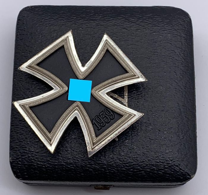 Duitsland - Iron Cross 1st Class 1939 Mint in een koffer!