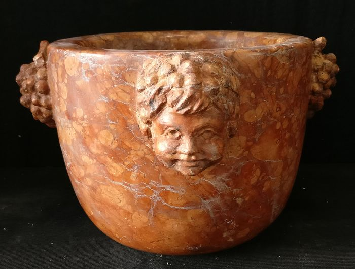 Finely sculpted Pharmacy Mortar - H 19 cm - Marmo Rosso Verona Broccato  - Late 19th century