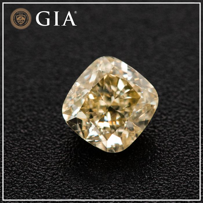 Diamond - 1.31 ct - Cushion - fancy light brownish yellow - I1, GIA - No Reserve Price