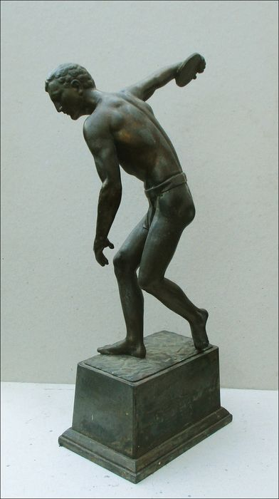 Discus thrower (height: 36 cm)