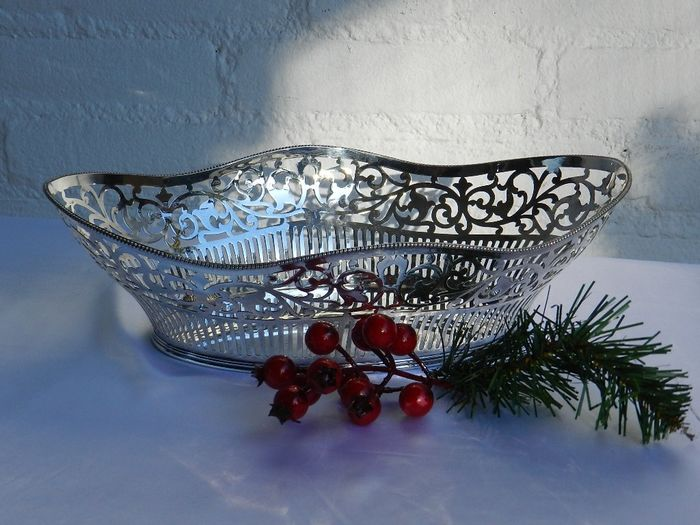 Ajour sawn large bread basket - Silverplate