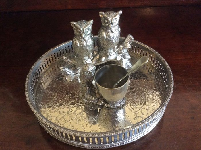 Bird condiment items and round galleried tray tray - Silverplate