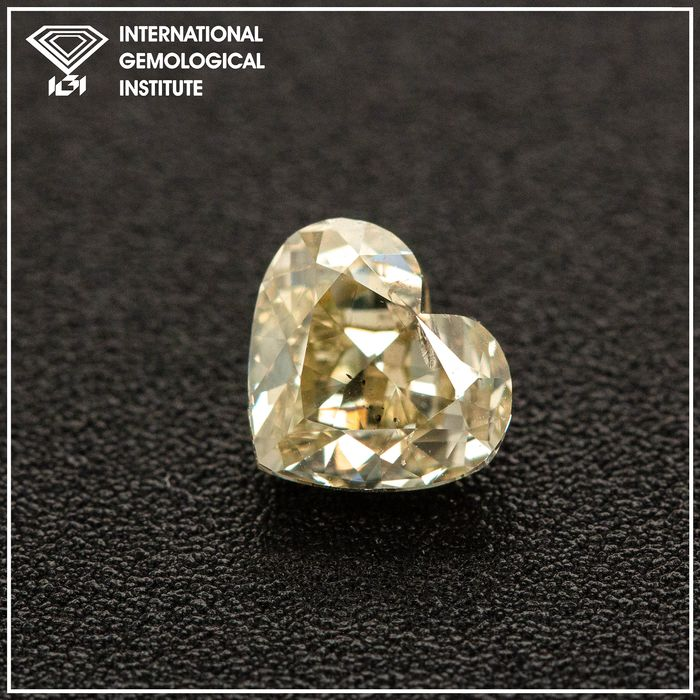 Diamond - 1.01 ct - Heart - W-X Yellow - SI2, IGI Antwerp - No Reserve Price