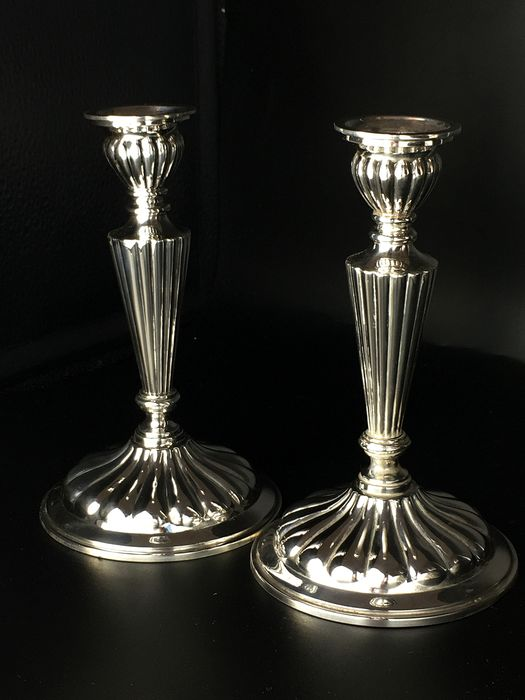 Candlestick (2) - Silver - n+g of andere combinatie n+.... - Europe - Early 20th century