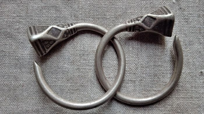 Silver earrings (2) - .800 silver - Tuareg - Niger