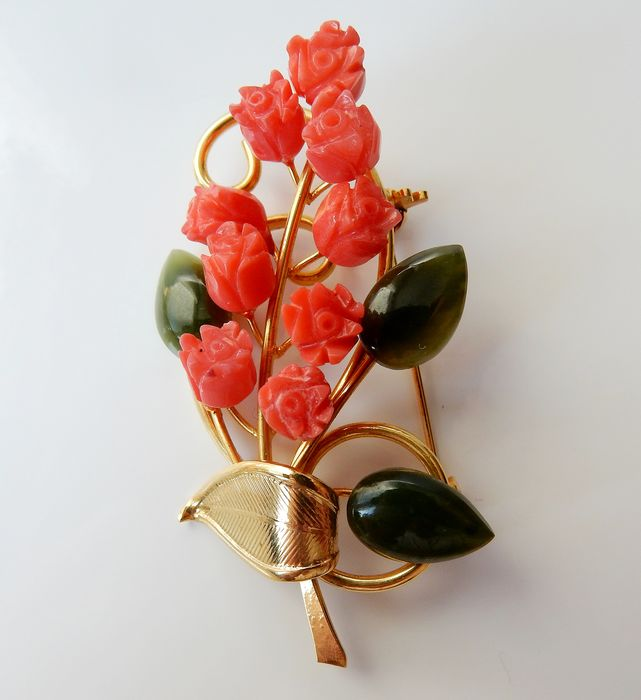 14 kt. Gold-plated - Brooch from Swoboda USA with Jade and coral