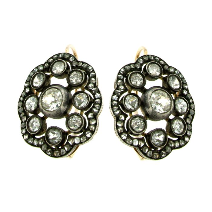18 kt. Gold, Silver, Yellow gold - Earrings - 5.00 ct Diamond
