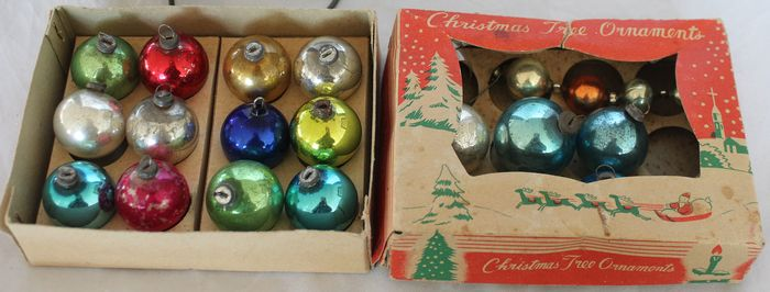 Small antique Christmas balls and candles light cord with pegs (18) - Glass