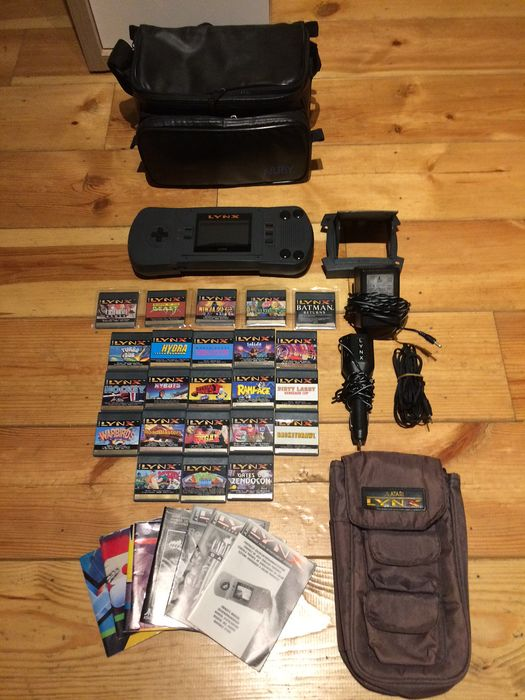 Atari Corporation - Console with games
