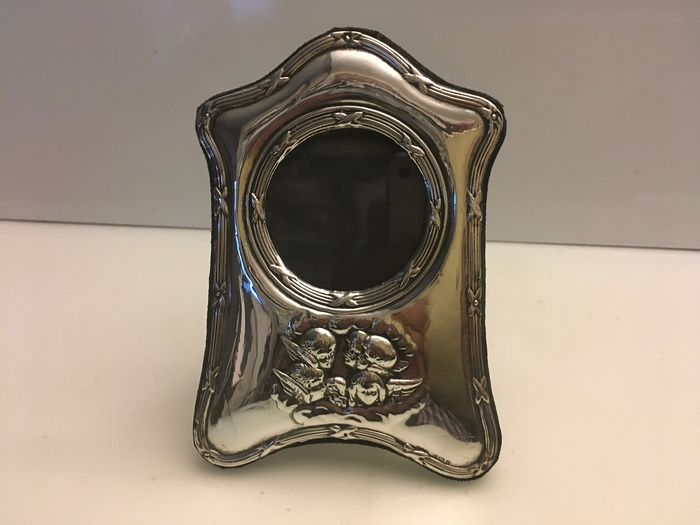 Sterling silver front with embossed decorated cherubs photo frame (1) - Silver - U.K. - 1996