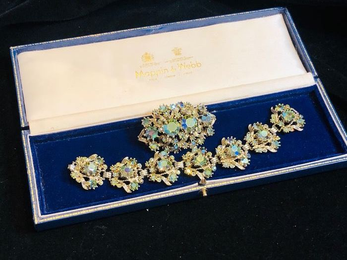 Gold-plated - Signed Exquisite bracelet and brooch