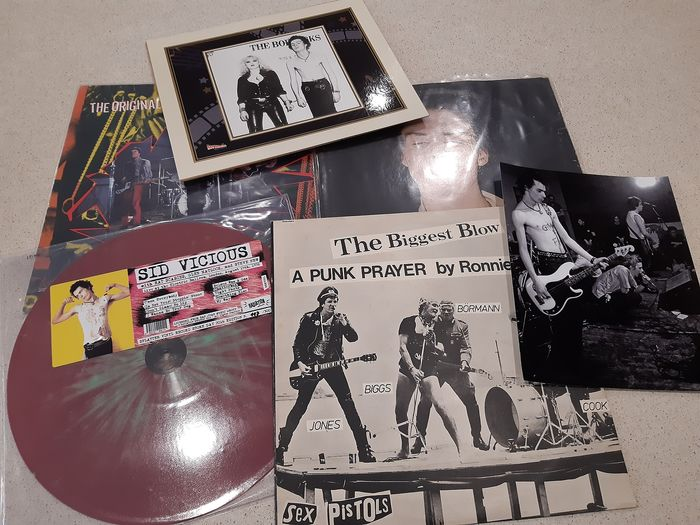 """Sex Pistols & Related - LP's + Photo's - Multiple titles - Limited edition, LP Album, Maxi single 12""""inch, Photograph -set in person, Various media - 1976/1985"""