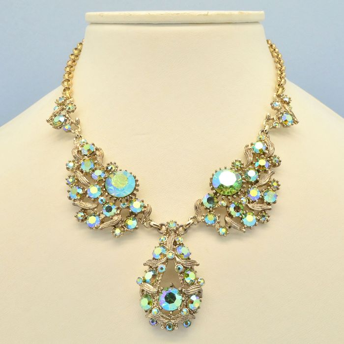 Exquisite Vintage Green Aurora Borealis Crystal Gold Plated - Necklace