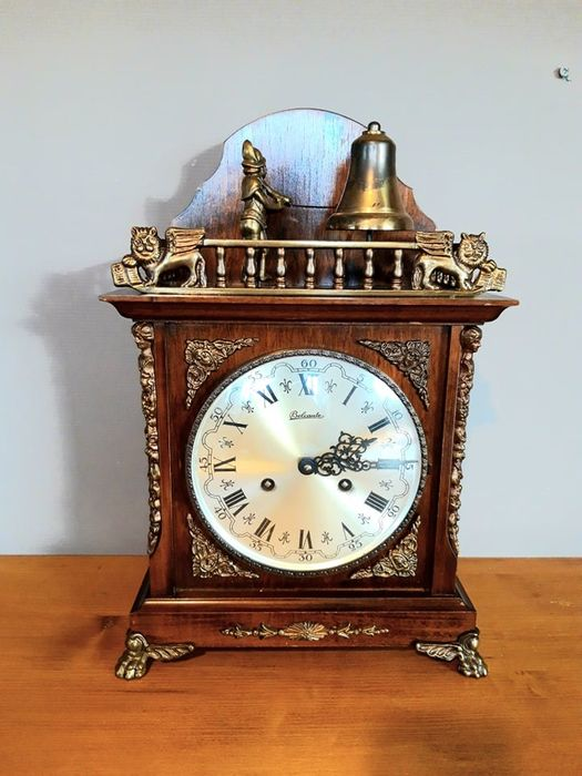 Very old Clock of the great brand Belcanto - Mechanical Winder - Bronze, Glass, Wood - Second half 20th century