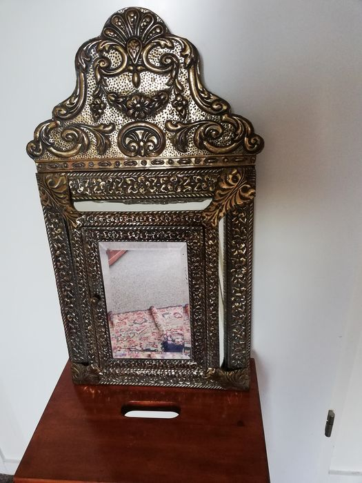 Latin copper mirrored cabinet with polished mirror and 2 brushes - Baroque - Copper, Glass, Wood