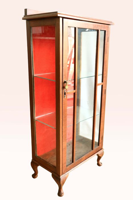 Vitrine - Display Cabinet - Queen Anne Style