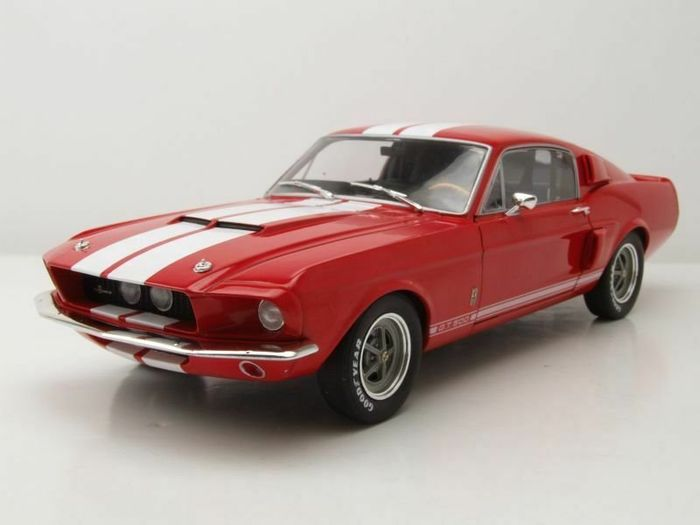 Solido - 1:18 - Ford Mustang Shelby GT500 - 1967 - Rood / Wit