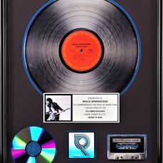 Bruce Springsteen - Born to Run - Presented to Bruce Springsteen - Prix officiel RIAA - 1989/1975