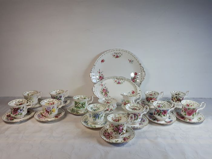 Flowers of the Month - Royal Albert - Flowers of the Month Service (28) - Romantic - Porcelain