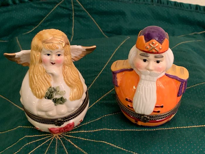 "Villeroy & Boch - Two Christmas figures ""angel and emperor"" - Porcelain"