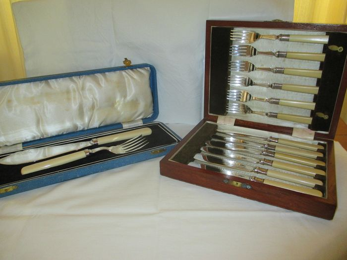 Fish serve set and 12 piece fish cutlery - Silverplate
