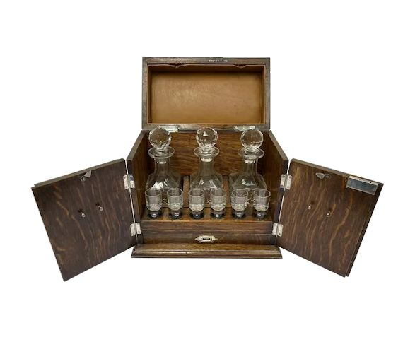 Liqueur cellar with silver-plated elements and complete interior - Victorian - Glass, Oak, Silver plated - Circa 1890