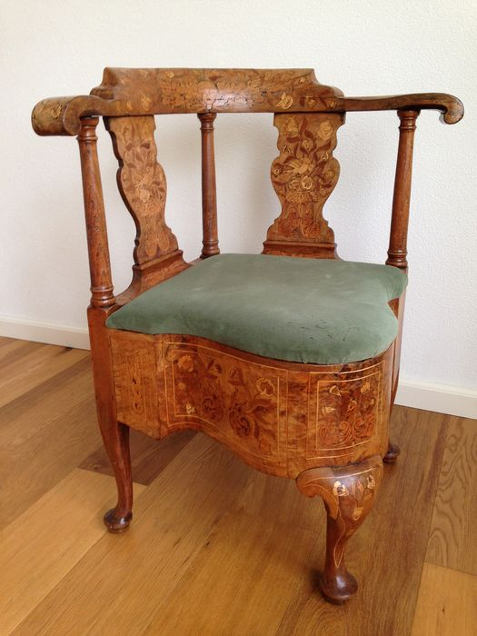 Chair, Dutch marquetry corner armchair with extensive foliate inlay, horseshoe shaped top rails - Wood - Circa 1800