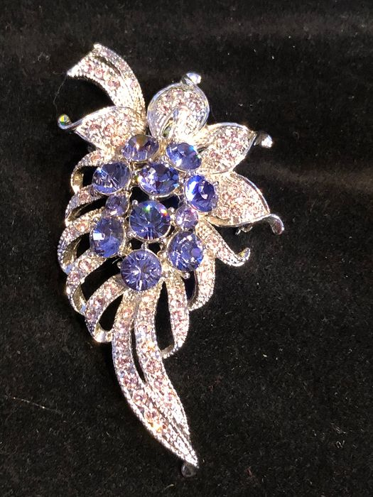 Camrose & Kross Silver plated  - very rare large crystal encrusted brooch