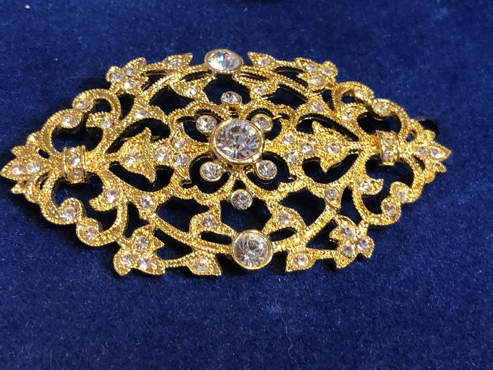 Camrose & Kross Gold-plated - Jacqueline Kennedy crystal encrusted large brooch