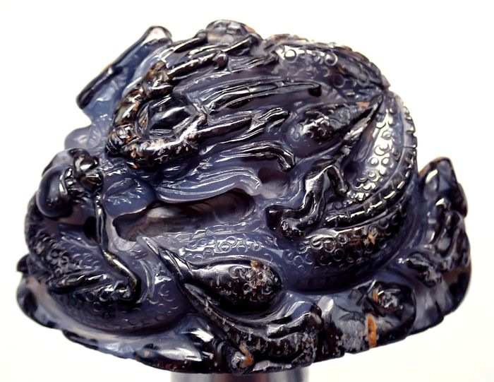 Gorgeous 3D agate Dragon carving - 77.97×77.97×77.97 mm - 163.3 g