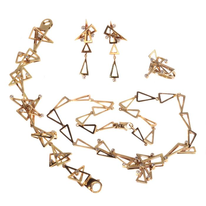 18 kt. Yellow gold - Bracelet, Earrings, Necklace, Necklace with pendant, Pendant, Ring, Parure (matching set of jewellery) - 2.22 ct Diamond - Anno 1970 - Free resizing