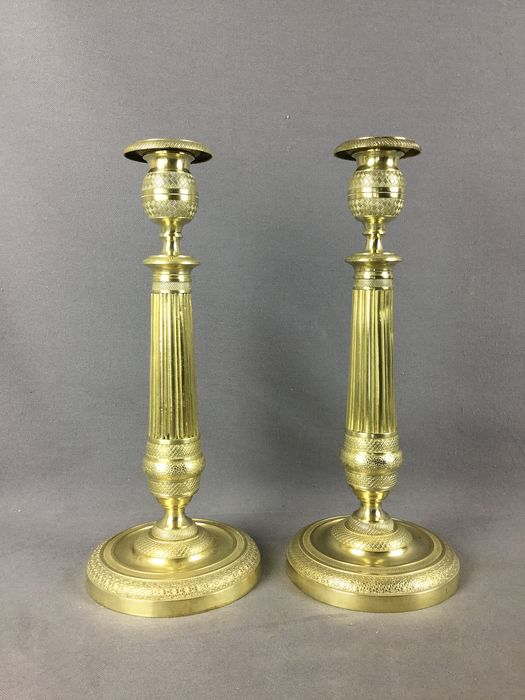 Pair of candlesticks - Restauration Style - Bronze - mid 19th century