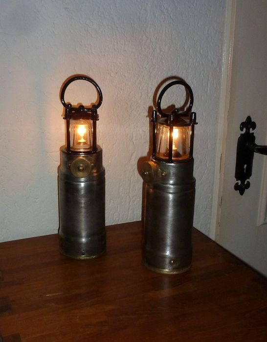 Oldham & Sons, Denton, Manchester - Oldham miners safety lamp - Iron (cast/wrought)