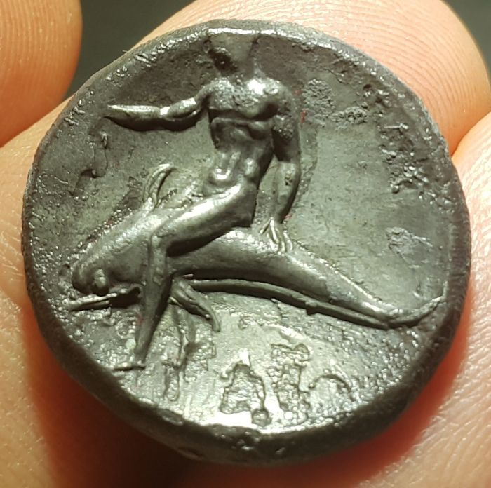 Greece (ancient) - Calabria, Taras. AR stater or didracm  (c. 340-332 BC.) - Silver