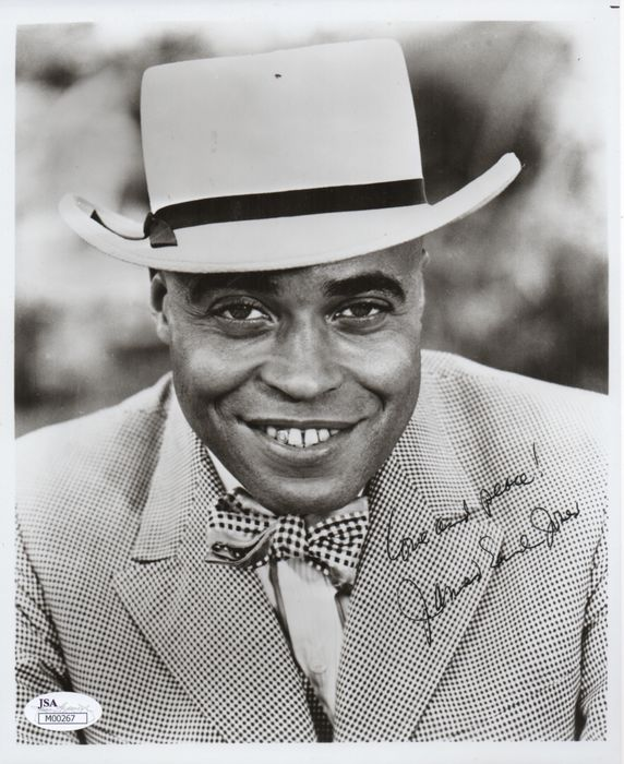 - James Earl Jones - Signed vintage photo, with Coa