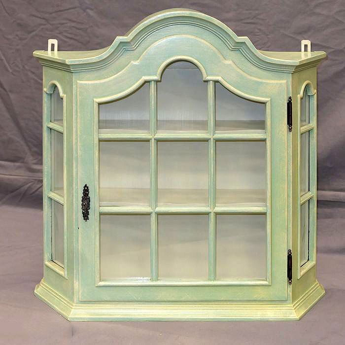 Dutch display case with crest - Wood
