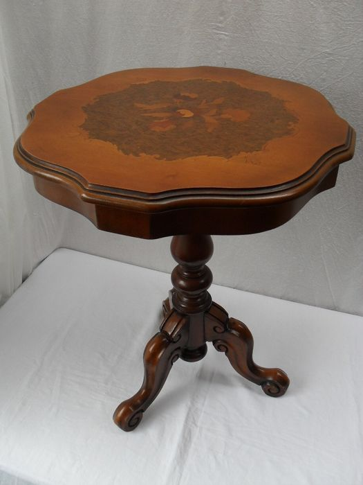 Wine table with Marquetry
