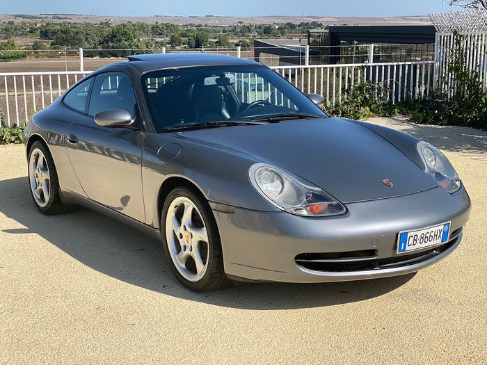 Porsche - 911 (996) Carrera 4 Coupé - 2001
